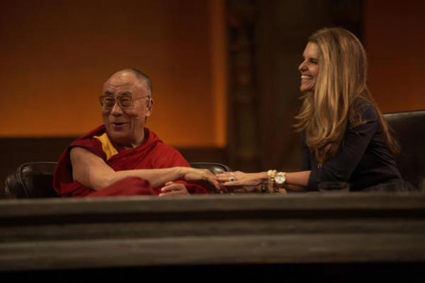 The dialogue opened with a one-on-one conversation between the Dalai Lama and Maria Shriver (photo by Sarah Murray 2009)