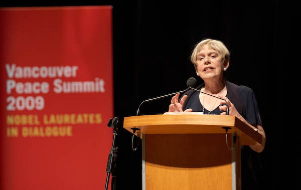 Karen Armstrong presents her Charter for Compassion, which calls for a return to the Golden Rule. (photo by Sarah Murray 2009)